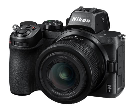 Nikon Z5 hus + 24 - 50 f/4-6,3