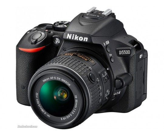 Nikon D5500 m/ AF-S 18-55 VRII